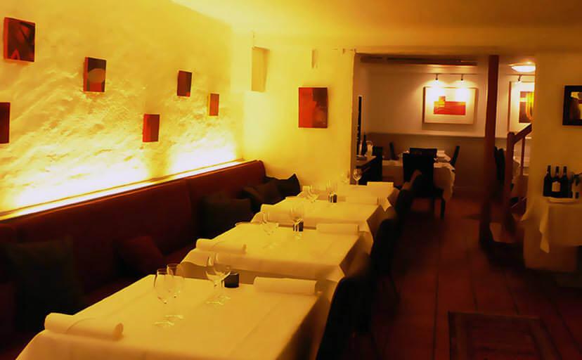 レストラン(フリー写真)