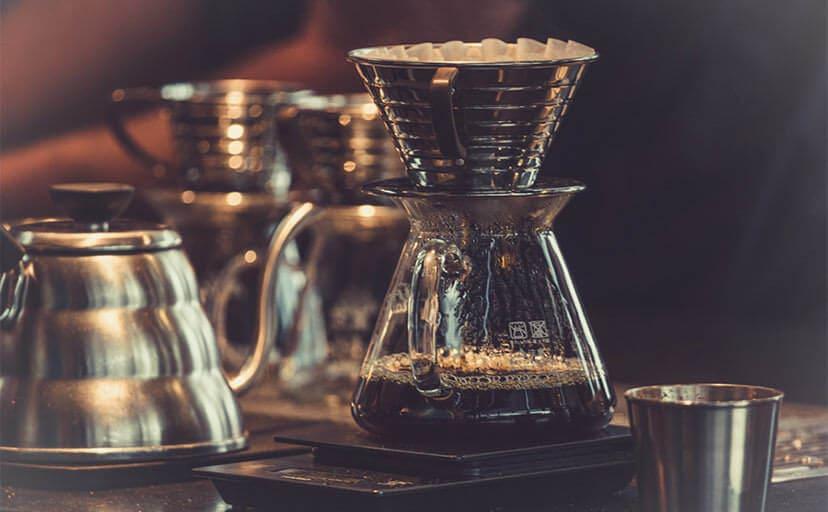 コーヒーのドリップ(フリー写真)