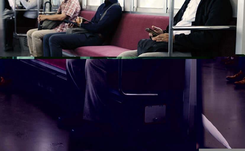 電車の車内(フリー写真)