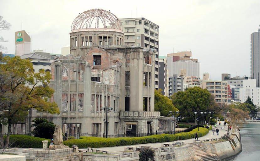 広島平和記念碑 原爆ドーム(フリー写真)