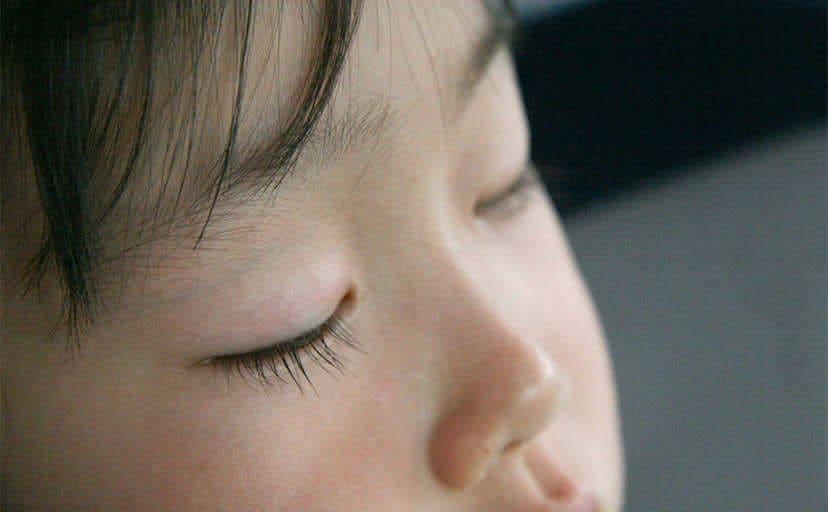 子供の寝顔(フリー写真)