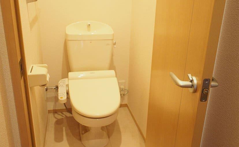 トイレ(フリー写真)