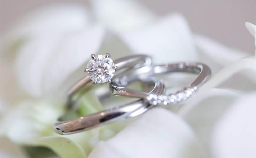 ダイヤの結婚指輪(フリー写真)