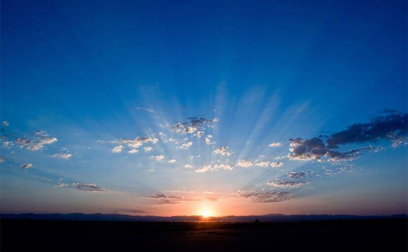 太陽の光(フリー写真)