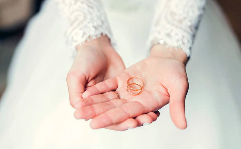 婚約指輪(フリー写真)