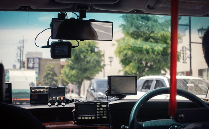 タクシーの後部座席(フリー写真)