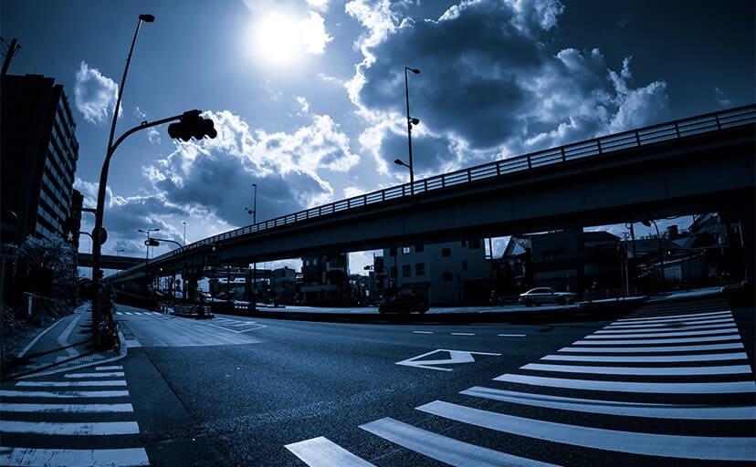 交差点(フリー写真)