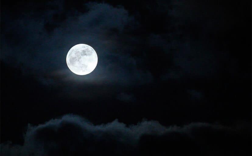 月(フリー写真)