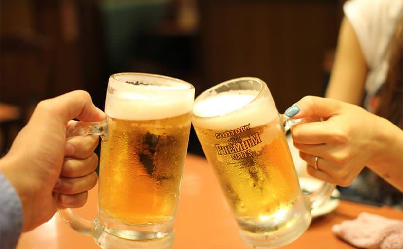 乾杯(フリー写真)
