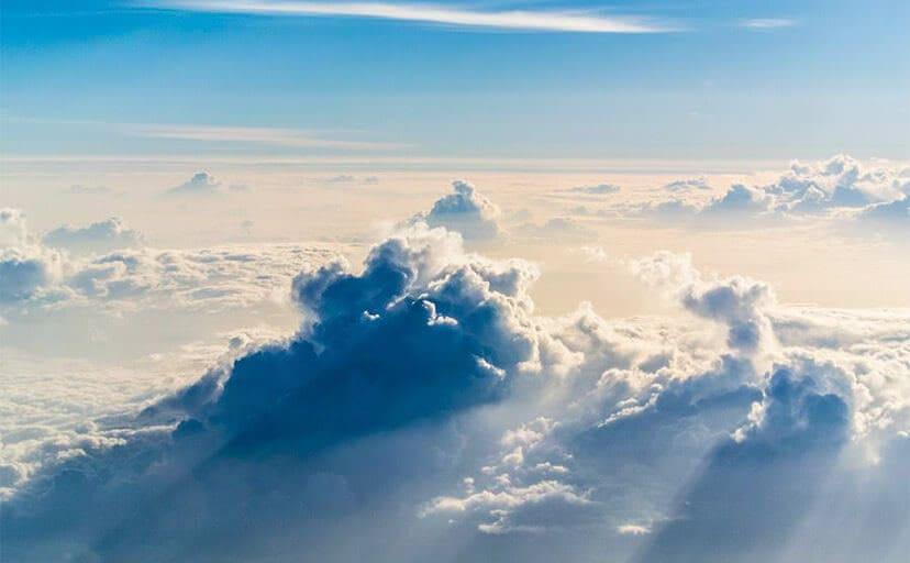 雲海(フリー写真)