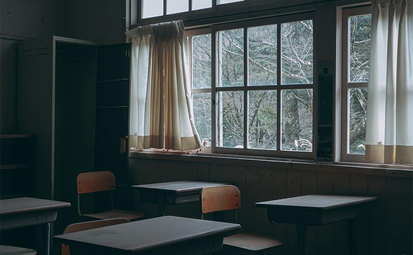 教室(フリー写真)
